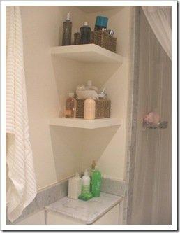 Foto Baño Esquinero con estantes