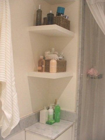 Ba o m s aire menos placard decocasa - Estantes para interior ducha ...