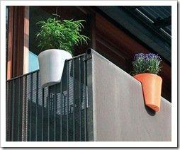 Foto macetas para balcon de costado