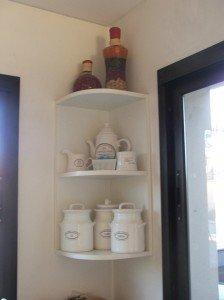 Ideas para cocinas y ba os en monoambientes deco ideas for Esquineros para paredes