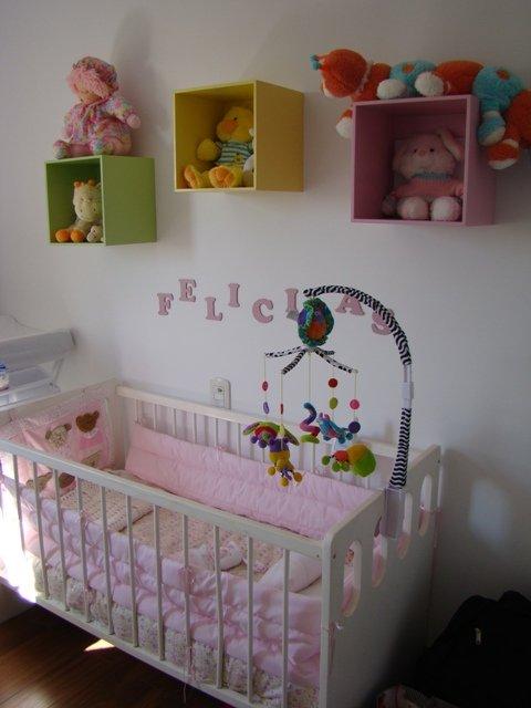 Dormitorio de bebe buenas ideas decocasa for Como decorar mi cuarto hombre con poco dinero
