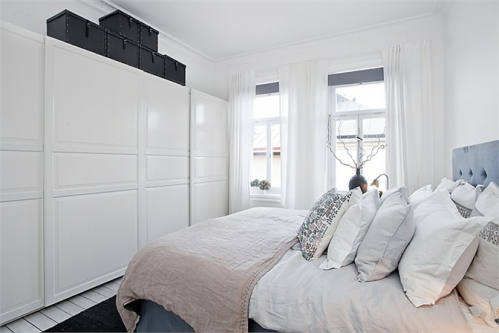 Un departamento en blanco negro y gris decocasa - Distribuciones de armarios ...