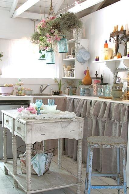 Cocinas blancas de aires antiguos – Decocasa