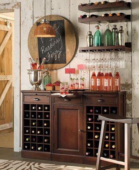 Un mueble clásico puede convertirse en bar sin muchos problemas Este
