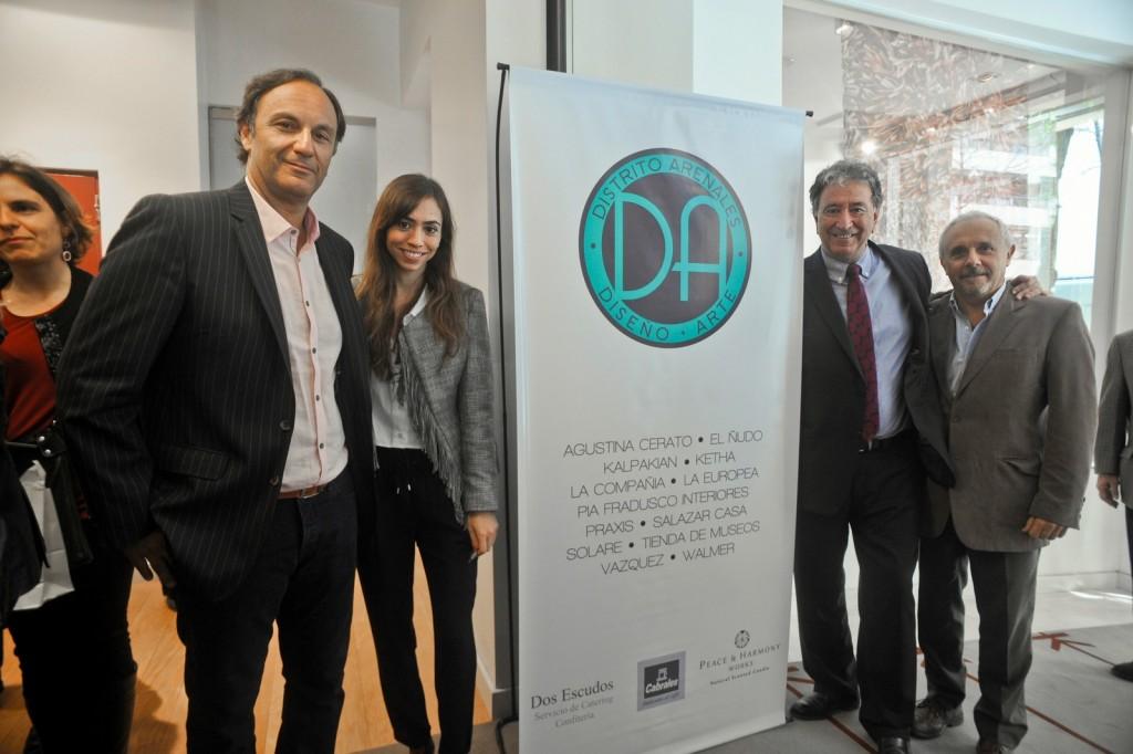 Eduardo Kalpakian, de Kalpakian, en donde fue realizado el desayuno, junto con Vicente Lourenzo, de FECOBA y Ricardo Monis de La europea.