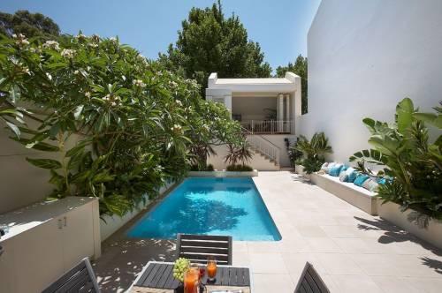 Una piscina en mi peque o jard n decocasa for Pileta en patio pequeno