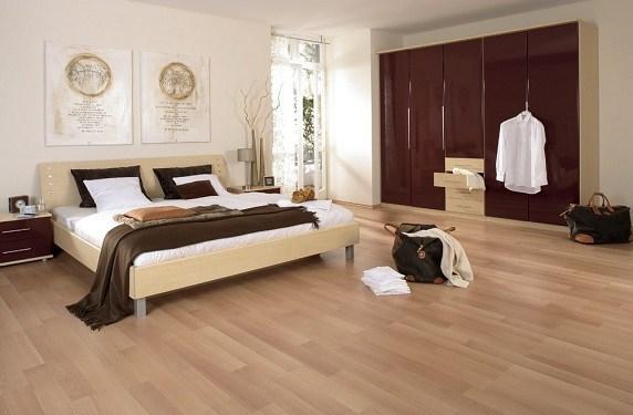 Suelos laminado vs tarima flotante decocasa for Cuanto vale poner tarima flotante en un piso